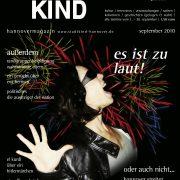 Titelbild Magazin Stadtkind - es ist zu laut! Frau schreit mit Feuerwerk im Hintergrund