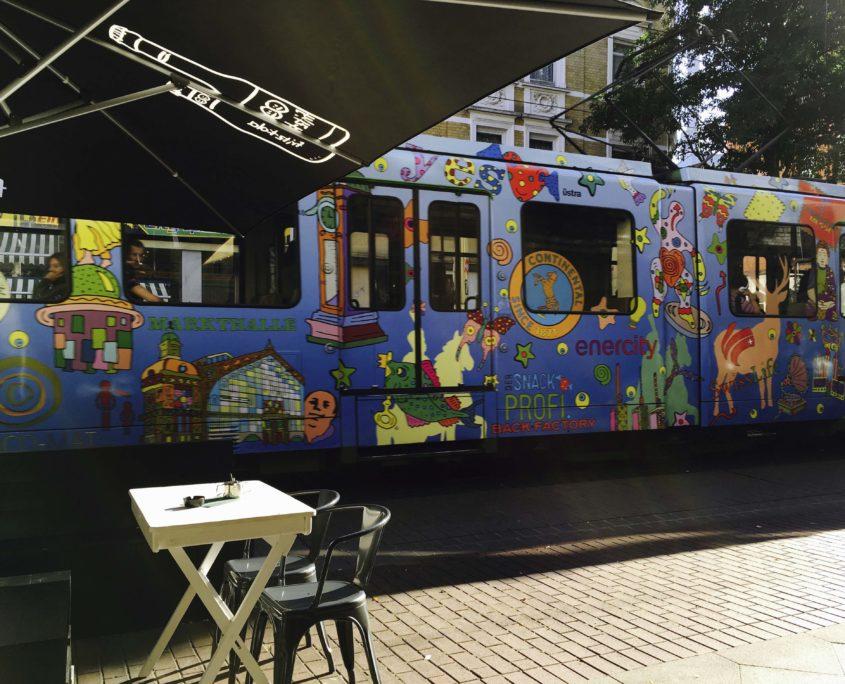 Bild der illustrierten Bahn TW6000 aus Hannover